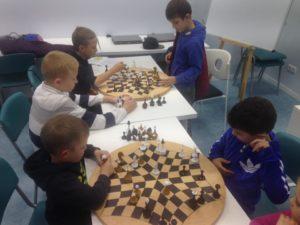 Детская секция Русские шахматы в КИТ Универсум 1 группа с 8 до 14 лет @ КИТ Универсум | Харків | Харківська область | Украина